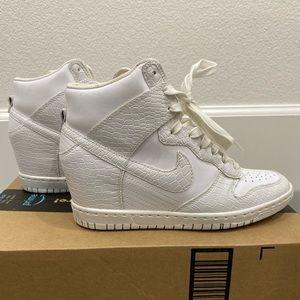 Nike white high dunk 6.5